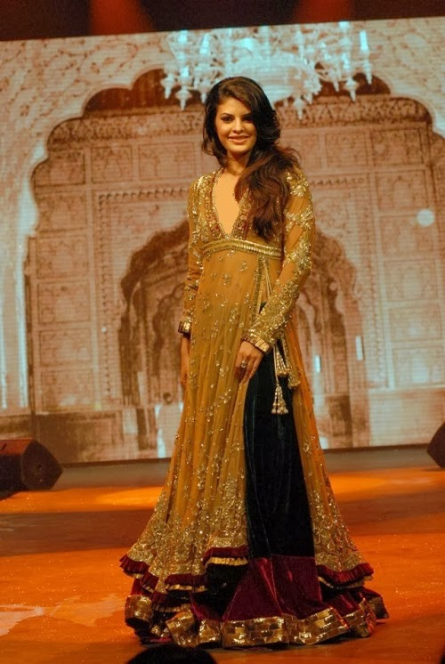 Jacqueline Fernandez in Manish Malhotra Clothing 2014 for ... Sabyasachi Anarkali 2014