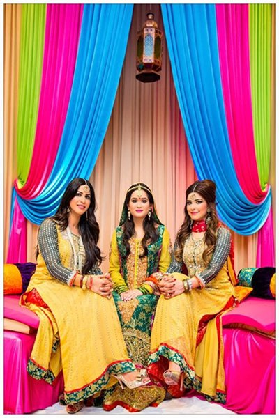 Ladies Mehndi Party : Mehndi bridal wear collection for women