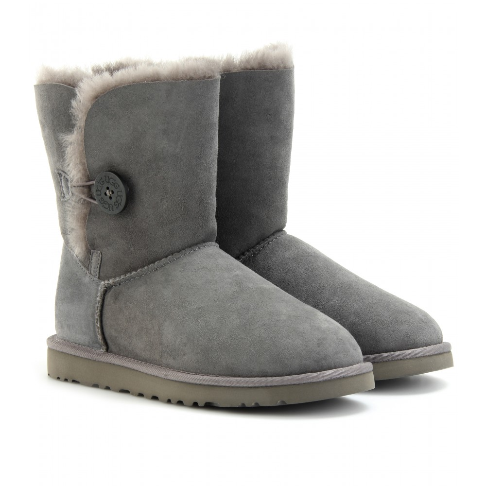 ★ UGG® 'Classic Mini II' Genuine Shearling Lined Boot (Women) @ Top Sale Womens Rain Amp Winter Boots, Free shipping and returns on [UGG® 'CLASSIC MINI II' GENUINE SHEARLING LINED BOOT (WOMEN)] Shop online for shoes, clothing, Makeup, Dresses and more from top brands.