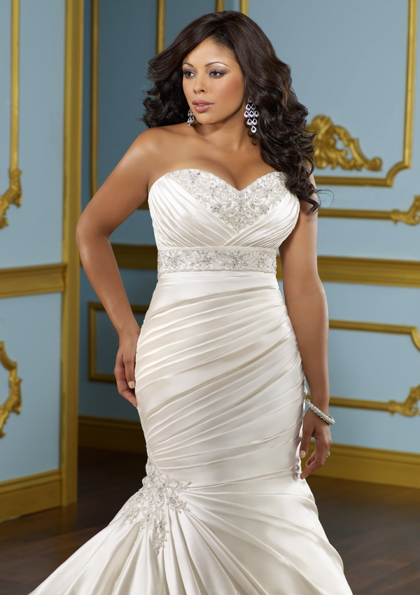 wedding dresses for large woman