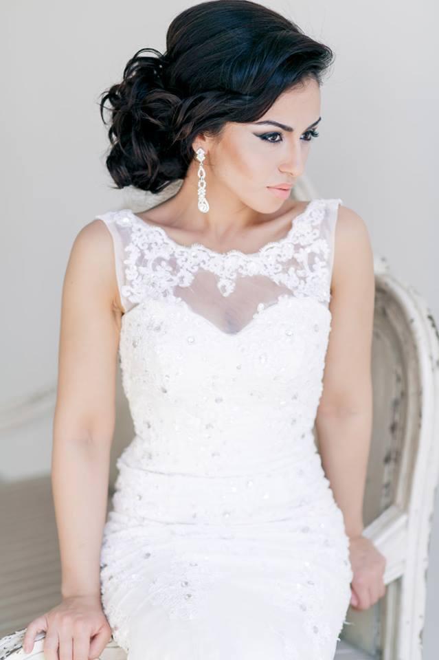 Свадебные прически к коротким платьями