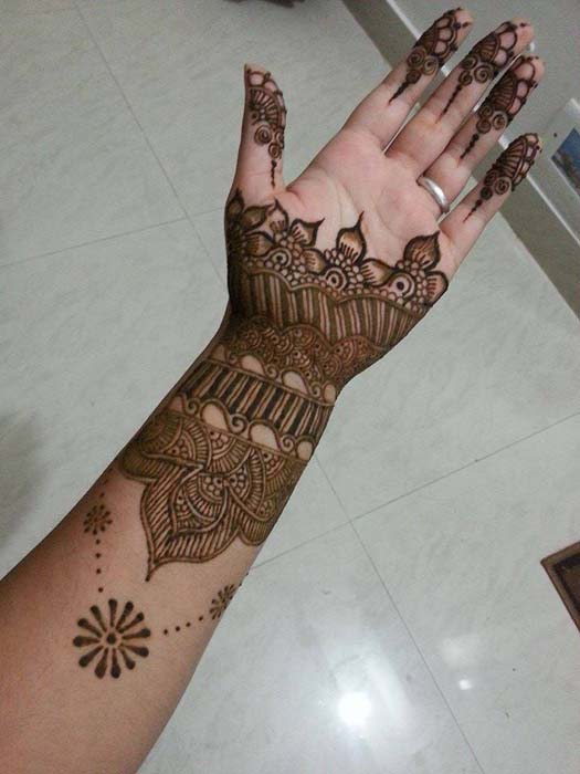 New Year 2014 Latest Mehndi Designs for Girls  New Year 2014 L...