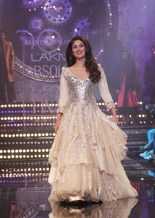 Manish Malhotra Anarkali 2014 Kareena Hot in Manish ...