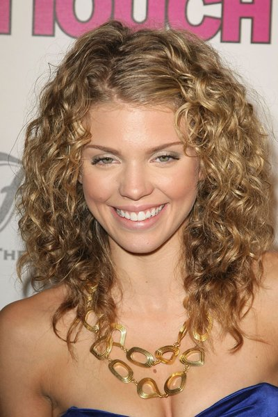 Short Curly Haircuts For Ladies Trends 2014