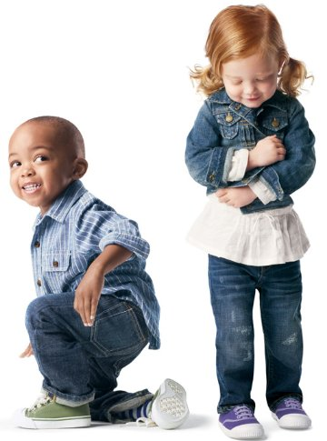 Shop womens, mens, maternity, kids & baby clothes at Gap online and find the perfect pair of jeans, t-shirts, dresses and more for the whole family. clothes, clothing, womens clothing, mens clothing, baby clothing, kids clothing, maternity.