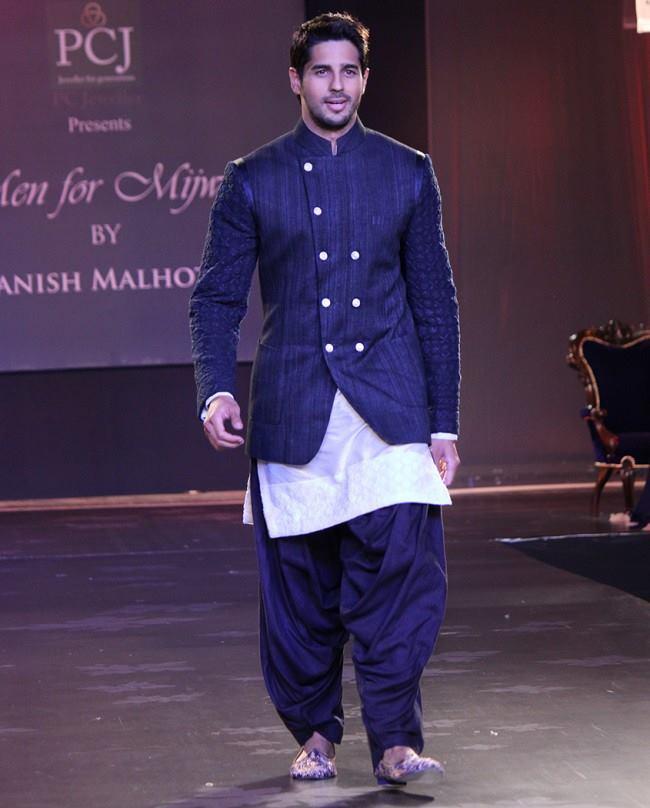 Fashion Show Manish Malhotra