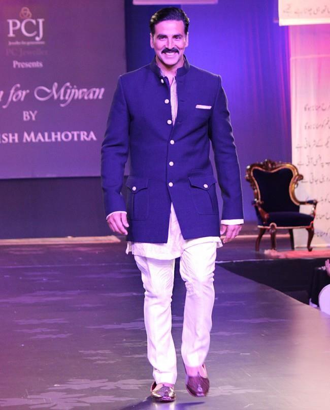 Manish malhotra mijwan 2014 mens womens collection fashion for Wedding dresses for men 2017