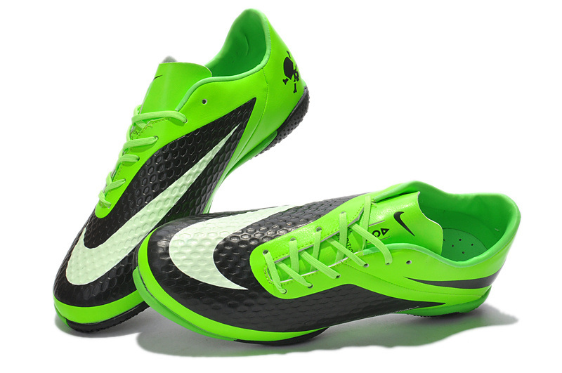Best Shoes To Play Soccer With