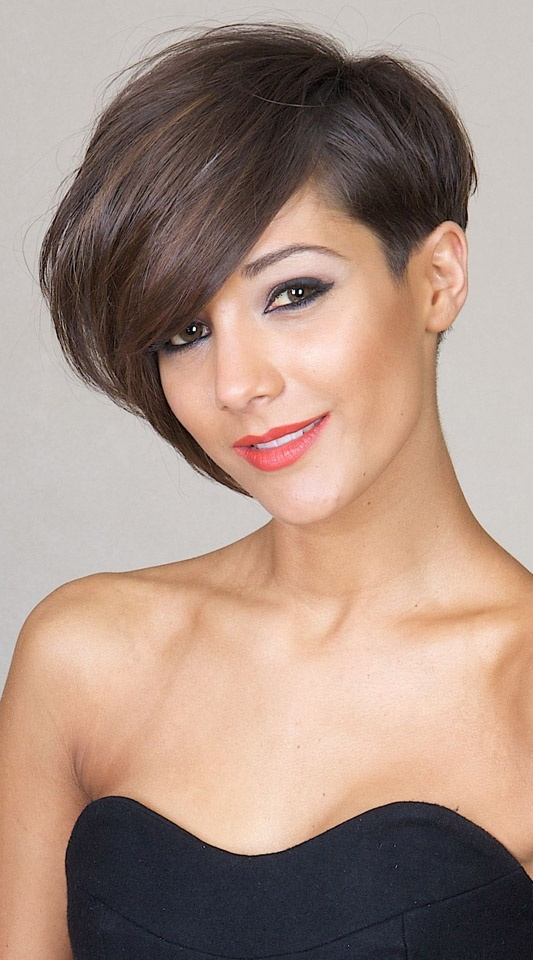 Latest And Trendy Hairstyles For Short Hairs For GIrls - Hairstyle cepak mandarin