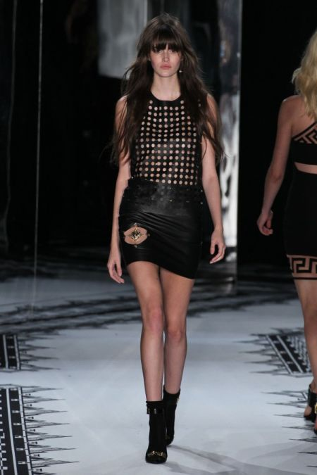 Versace-Versus-Spring-Summer-2015-Collection-New-York-Fashion-Week- Fashion Fist (8)