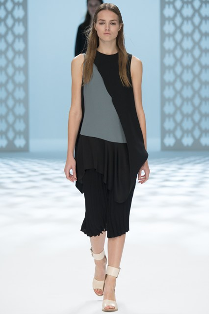 Spring-Summer-Stunning-Dresses-Designs-2014-15-by-Chalayan- Fashion Fist (16)